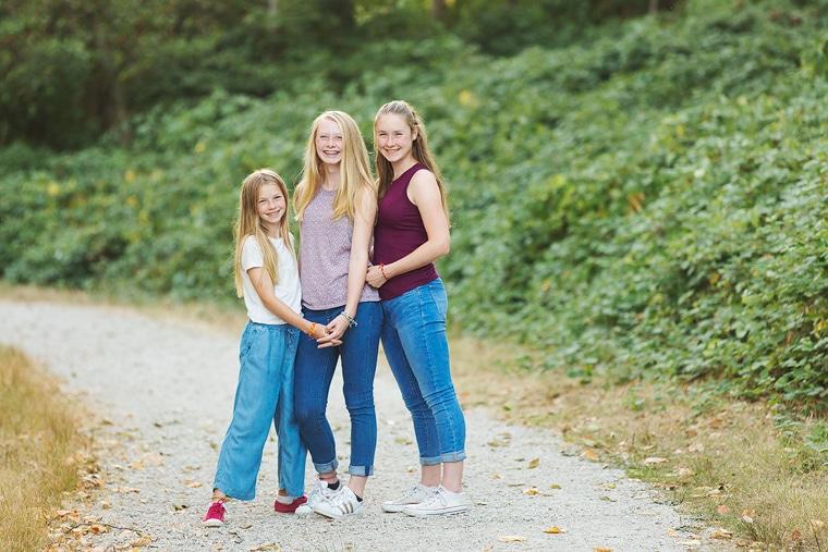 sisters portrait session in Vancouver   Jericho Beach   www.jenndispirito.com
